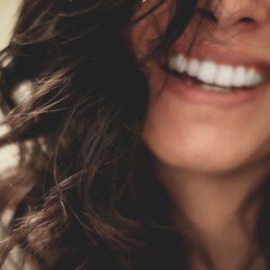 Cómo aprender a adoptar una actitud positiva ante las circunstancias